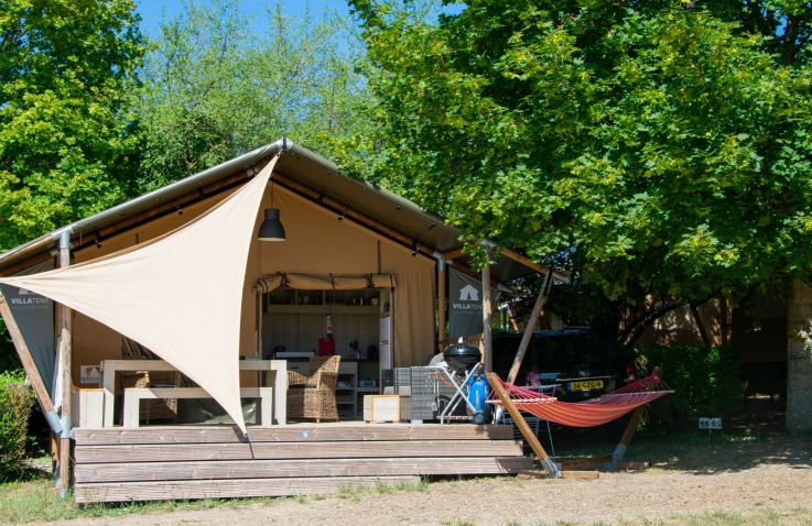 Camping Le Petit Trianon - Glamping Loire