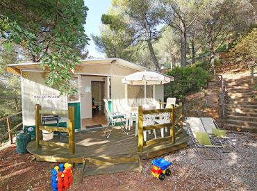 camping international etruria luxe glamping in toscane itali glampings. Black Bedroom Furniture Sets. Home Design Ideas